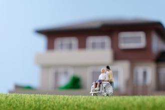 離婚後、介護の為、別々に生活をしていた元妻の遺族年金が認められた事例